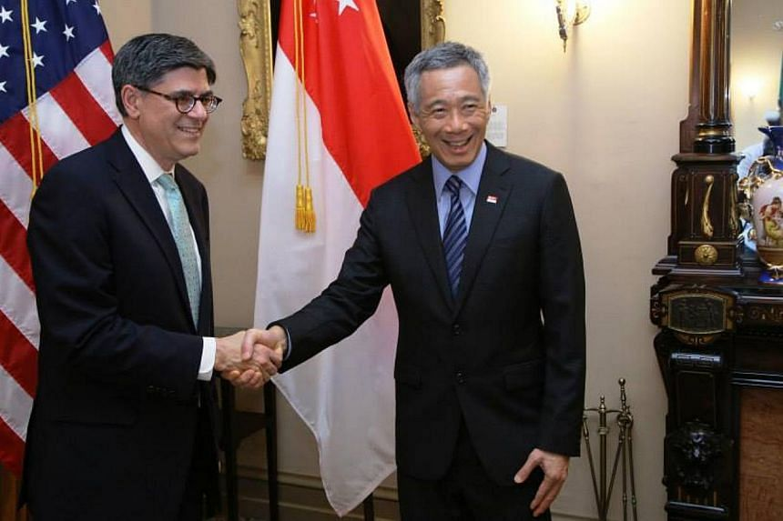 Prime Minister Lee Hsien Loong with US Treasury Secretary Jack Lew. -- PHOTO: MCI