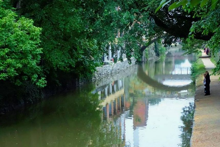 The Chesapeake and Ohio Canal, behind Prime Minister Lee Hsien Loong's hotel. -- PHOTO: MCI