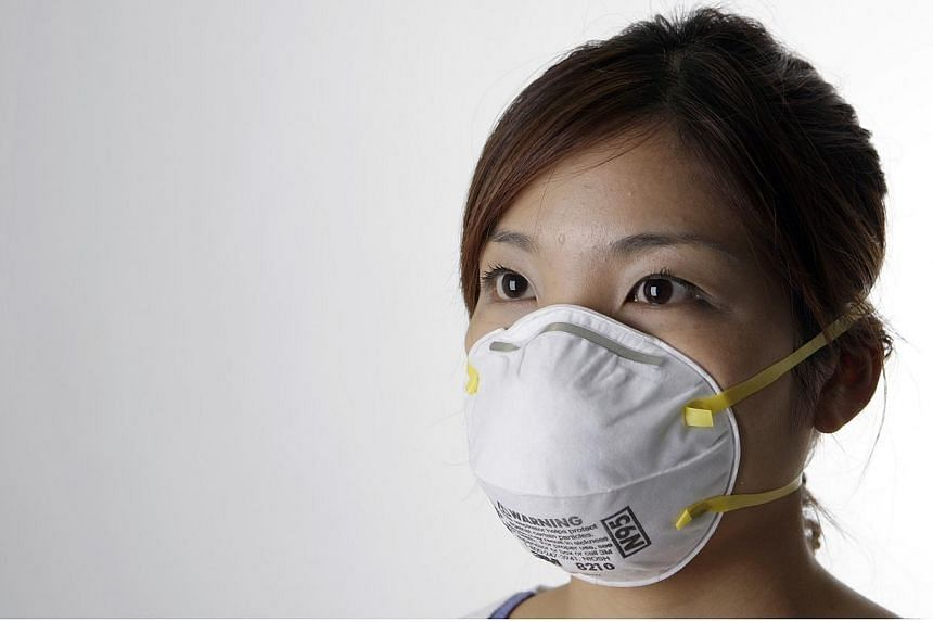 Stores here are currently well-stocked with N95 face masks, but the Consumers Association of Singapore (Case) warns consumers to be careful about buying masks from unreliable sources as they may be of poor quality. -- MYPAPER PHOTO:NEO XIAOBIN