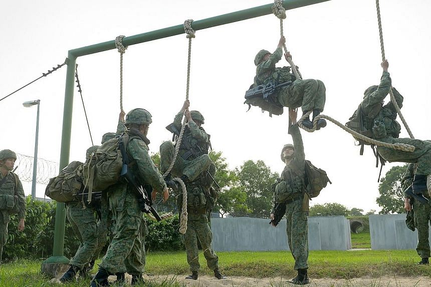 Soldiers from the 1st Commando Battalion on mission training. The1st Commando Battalion) has won Best Combat Unit for the 11th consecutive year, and 28 times in total.. -- ST PHOTO: NG SOR LUAN