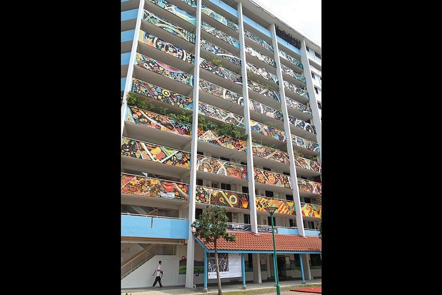 Titled A Peace of Art, the work at Block 728 in Clementi West Street 2 was assembled from 36 panels. Measuring 26m by 22m, it is the largest art installation to be displayed on the facade of an apartment block here.