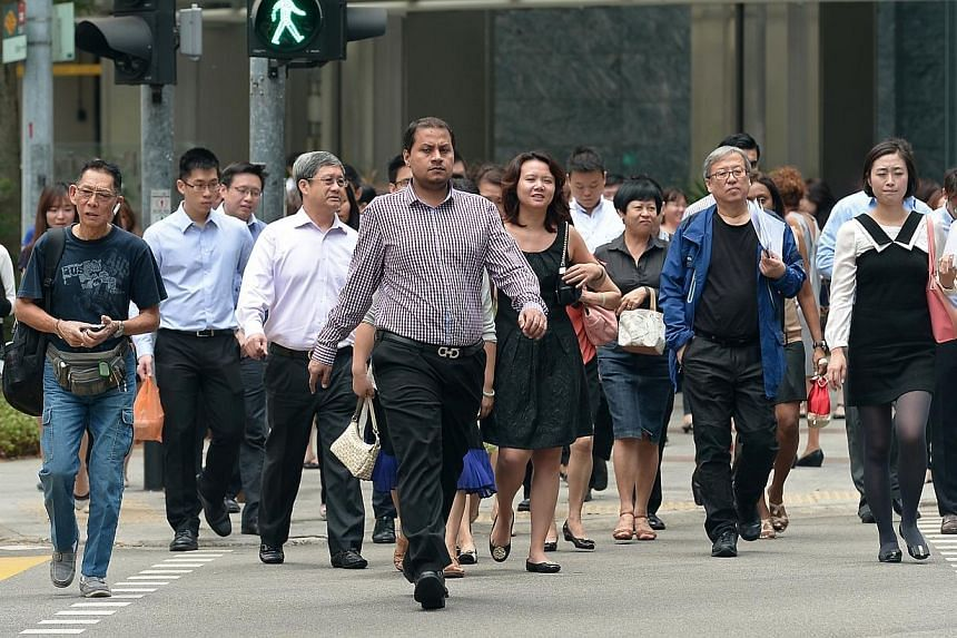 The emerging affluent in Singapore are not hitting their retirement goals because they underestimate their retirement needs and start saving late, a new survey has found. -- PHOTO: ST FILE