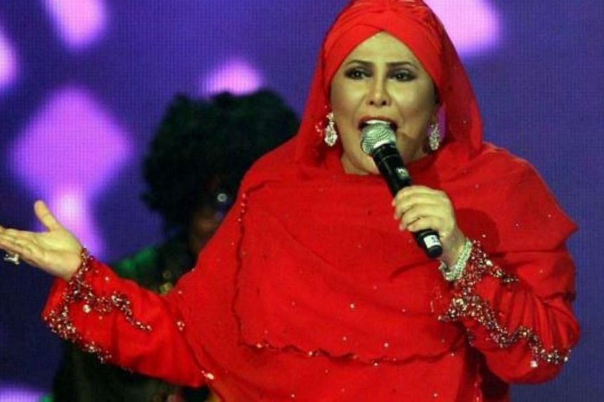 Veteran singer Datuk Sharifah Aini Syed Jaafar died of lung infection early Saturday morning. -- PHOTO:THE STAR/ASIA NEWS NETWORK