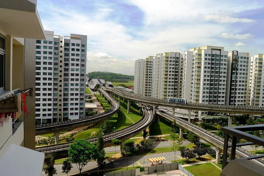 """View of Punggol estate as seen from a studio apartment in Punggol Walk.The Housing Board may soon """"incentivise"""" parents to move out of mature estates, so they can join their children in new ones. -- PHOTO: BERITA HARIAN FILE"""