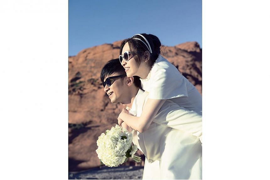 Singer Leo Ku has announced his marriage to his assistant and girlfriend Lorraine Chan. -- PHOTO: COURTESY OF LEO KU