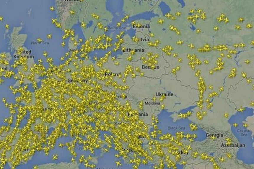 Newsweek magazine has tweeted an astonishing map showing a big gap in the airspace over Ukraine. -- PHOTO: TWITTER / NEWSWEEK