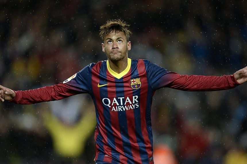 Brazilian superstar Neymar's brain activity while dancing past opponents is less than 10 per cent the level of amateur players, suggesting he plays as if on auto-pilot, according to Japanese neurologists. -- PHOTO: AFP