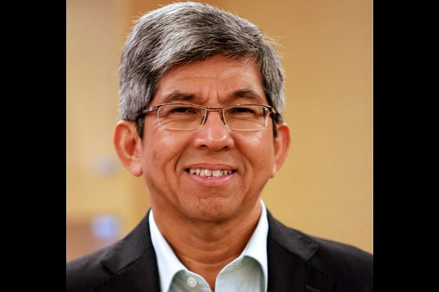 Dr Yaacob Ibrahim, Minister for Information and Communication, and Minister in-charge of Muslim Affairs. Singapore's pioneer generation received special mention in the Minister for Communications and Information Dr Yaacob Ibrahim's Hari Raya Aid