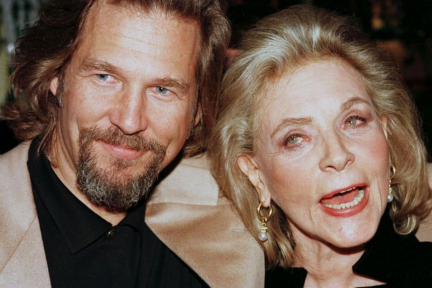 Actor Jeff Bridges and actress Lauren Bacall, cast members of the film The Mirror Has Two Faces, pose together at Tavern on the Green during the film's post-premiere party in New York, in this file picture taken on November 10, 1996. -- PHOTO: REUTER