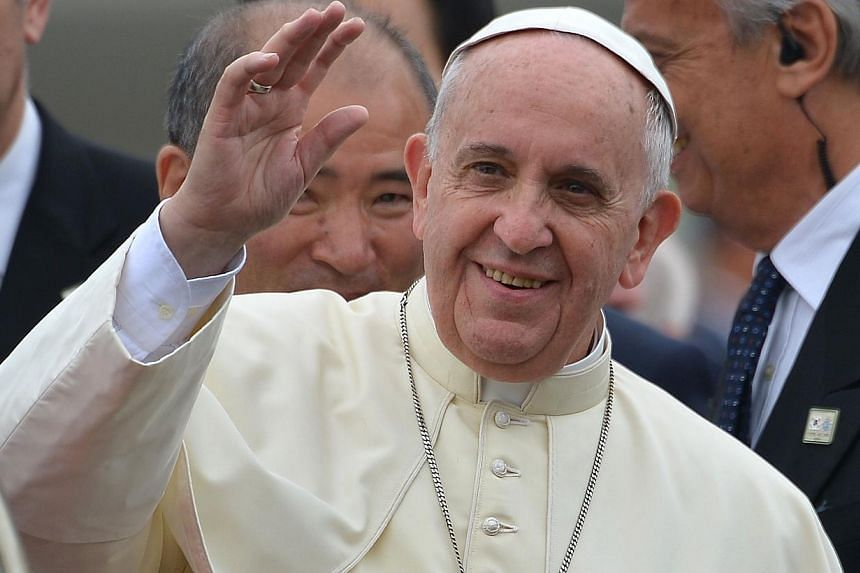 Pope Francis sent an unprecedented goodwill message to China's leadership on Thursday, offering his blessings to a nation mired in a long-running battle with the Vatican for control of its Catholic community. -- PHOTO: AFP