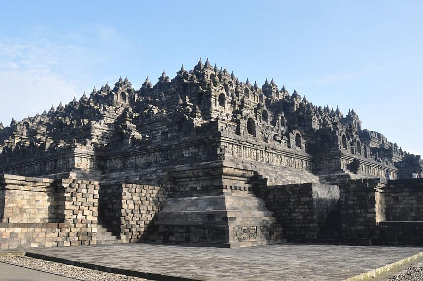 The police in Central Java have tightened security measures at the Borobudur Temple in Magelang in response to an apparent threat made by Islamic State of Iraq and the Syria (ISIS) supporters to attack the world-renowned cultural heritage site. -- PH