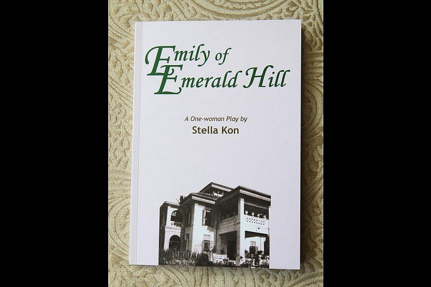 Written by Stella Kon (far left), Emily Of Emerald Hill (right) has travelled around the world and starred artists such as Margaret Chan (top), Pearlly Chua (left) and Ivan Heng (below).