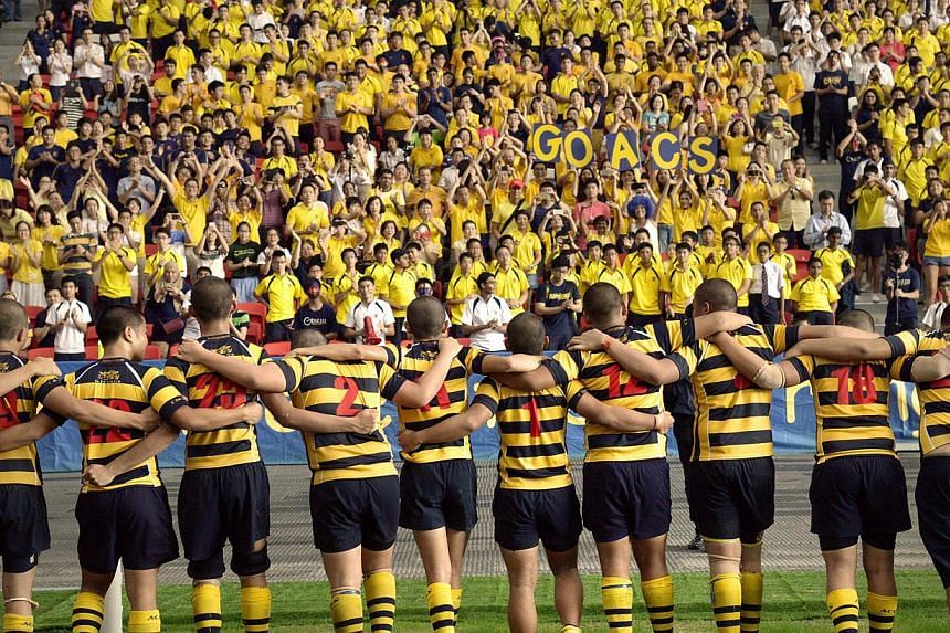 ACS players thanking supporters after the match. -- ST PHOTO: LIM SIN THAI