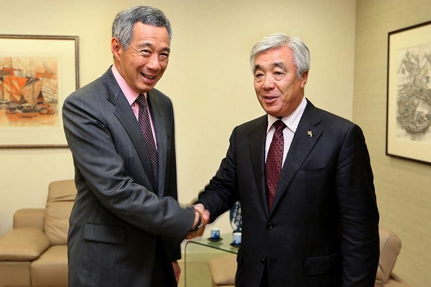 Kazakhstan's Foreign Minister Erlan Idrissov called on Singapore's Prime Minister Lee Hsien Loong at the Istana on Thursday, Aug 28, 2014. -- PHOTO: MCI