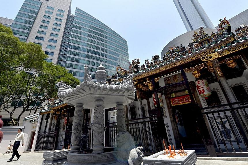 A $7.5 million, five-year makeover of Yueh Hai Ching, Singapore's oldest Teochew temple, has earned the team behind it a 2014 Unesco Asia-Pacific Heritage Award. -- PHOTO: ST FILE