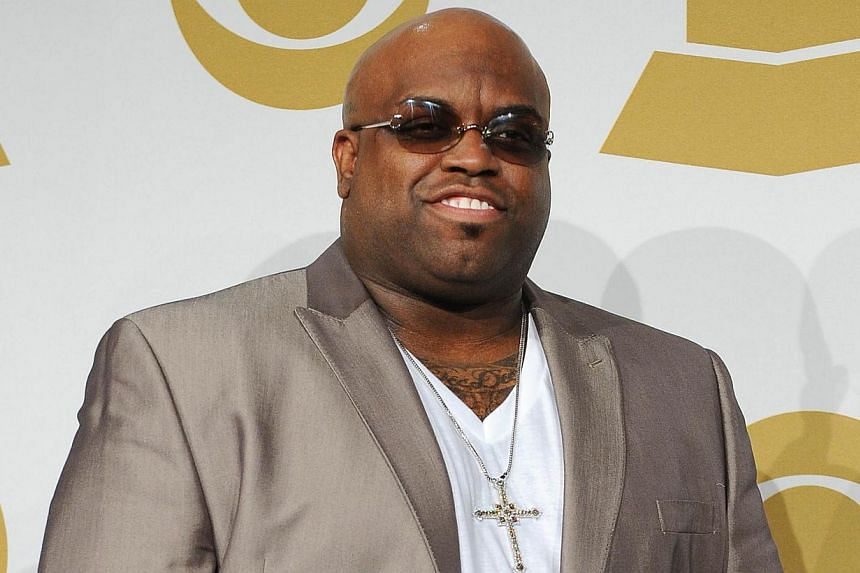Grammy-winning US singer Cee Lo Green has apologized for comments on Twitter about rape, made just after he was put on probation for giving a woman ecstasy before going back to her hotel. -- PHOTO: AFP
