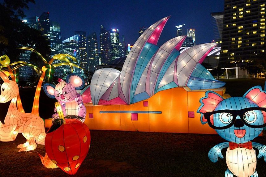 These are some of the International Iconic Lanterns, comprising iconic and cultural landmarks of global cities in seven countries that are on display at Gardens by the Bay , Sept 3, 2014. -- ST PHOTO: LIM SIN THAI
