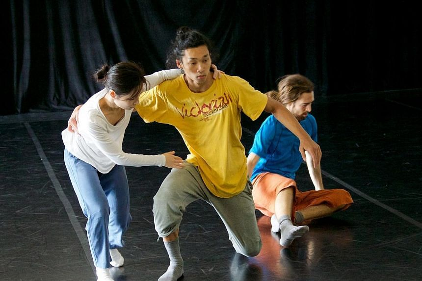 Performance excerpts by Frontier Danceland, who will present a new work at Singapour en France - le festivalin Paris next year. -- PHOTO: NATIONAL HERITAGE BOARD
