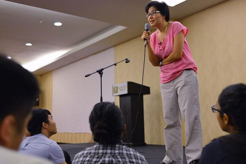 Film-maker Tan Pin Pin having a Q&A session with the audiencein Johor Baru. --ST PHOTO:LIM YAOHUI FOR THE STRAITS TIMES