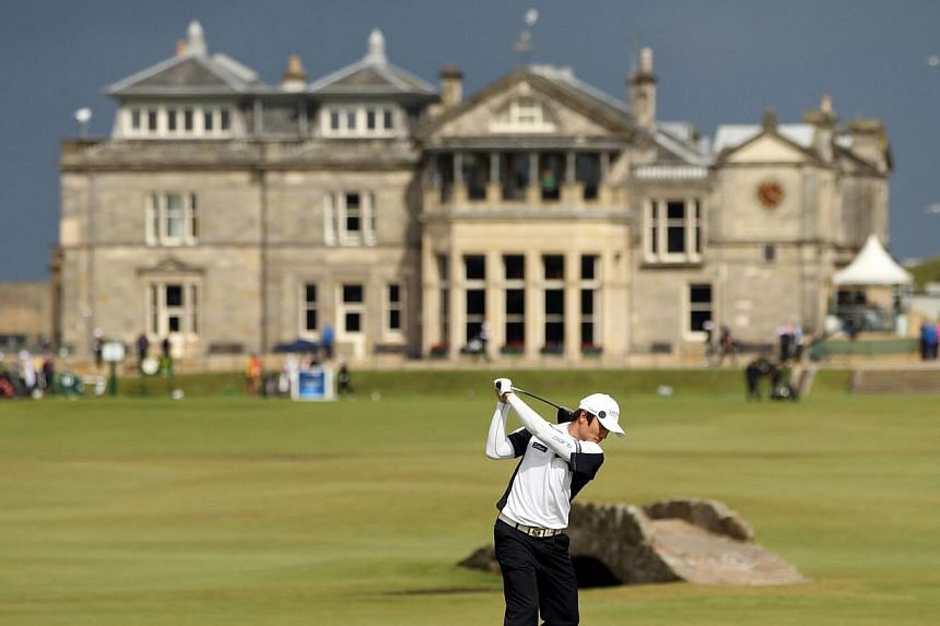 In this file picture taken on July 15, 2010, Korean golfer Kim Kyung-tae plays his tee shot on the 18th during his opening round on the first day of the British Open Golf Championship at St Andrews in Scotland. The Royal and Ancient Golf Club of St A