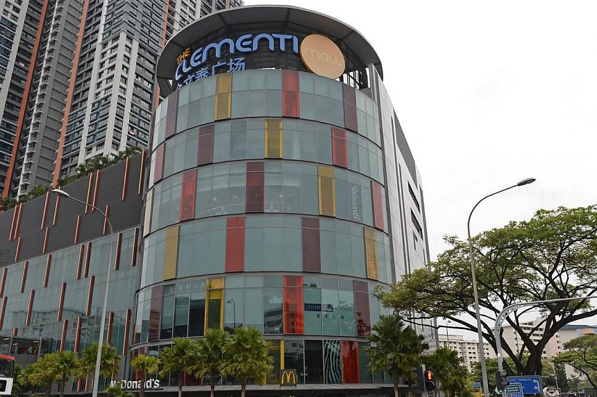 The Clementi Mall starts its three-week long food and beverage promotion on Friday, offering both discounts and healthy eating activities for shoppers. -- ST PHOTO:DESMOND FOO