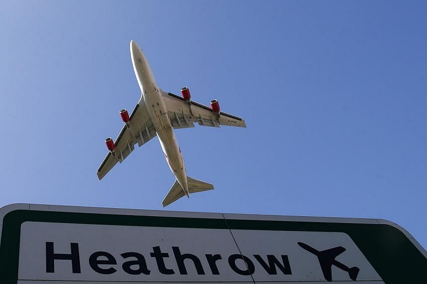 Heathrow Airport Holdings (HAH) is set to sell three British airports for 1 billion pounds (S$2.04 billion) to a group including Spanish infrastructure firm Ferrovial, Singapore sovereign fund GIC and Australian bank Macquarie, reported Sky News. --