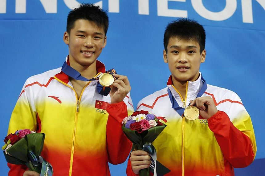 Some of the biggest names in diving, including Incheon Asian Games gold medallists Chen Aisen (left) and Zhang Yanquan, will be making a splash in Singapore from Oct 17 to 19 when the Fina Diving Grand Prix takes place for the first time in Asia at t