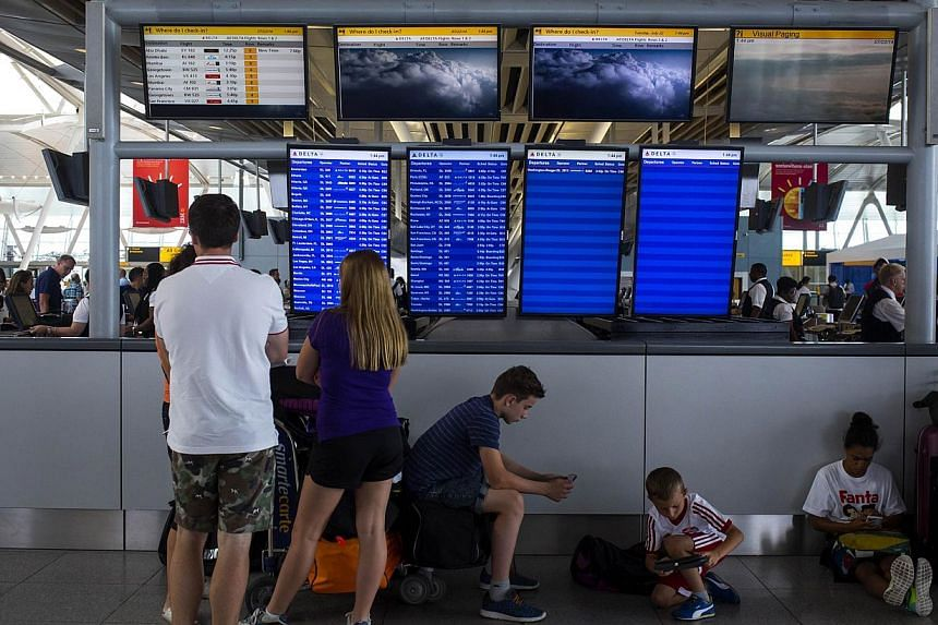 Stepped up efforts by the United States to halt the spread of the Ebola virus will start at New York's John F. Kennedy International Airport on Saturday, where teams armed with thermal guns and questionnaires will screen travellers from West African
