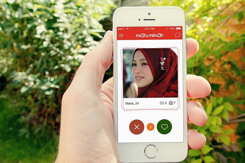 Mobile dating apps such as Mat & Minah (above) and Paktor hope to bring lonely hearts together. -- PHOTO: ZURAIMIE ISMAIL