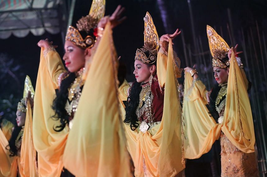 Cultural performance of Ulek Mayang, a ritualised dance performance practiced by the sea-faring and farming communities in Terengganu. A three-week long festival showcase at the Malay Heritage Centre for traditional and contemporary Malay arts w