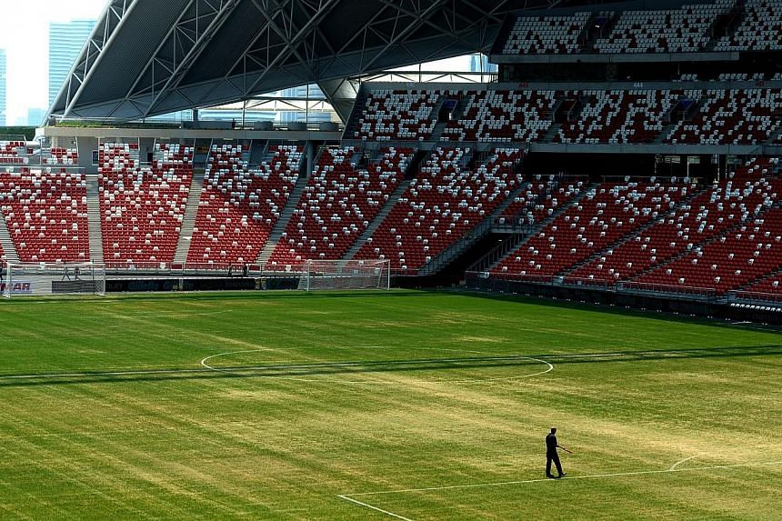 Sport Singapore (SportSG), the governing body for Singapore sports, maintains that it will not pay for the Singapore Sports Hub until the National Stadium pitch is of a standard befitting of the magnitude of the sports events being held at the new ar