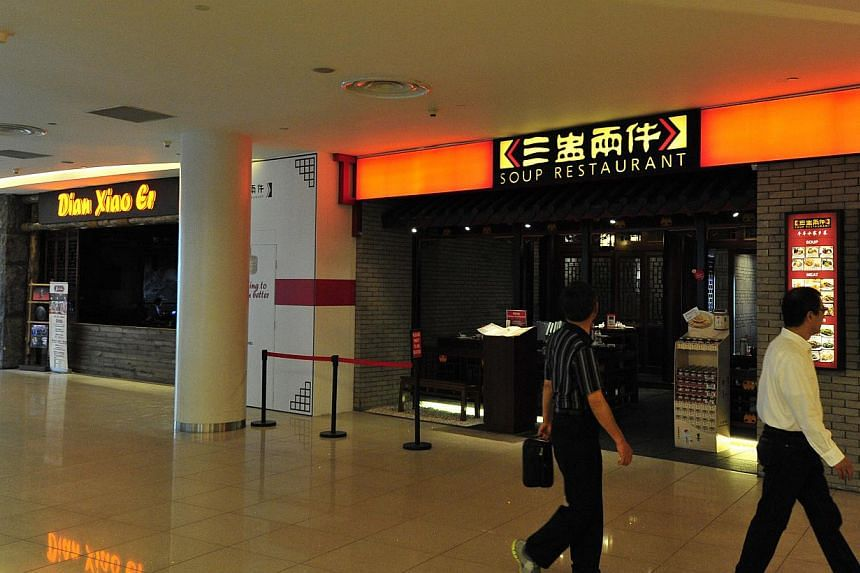 Restaurant chains Soup Restaurant and Dian Xiao Er are fighting in court again. The current fight is over 69 sqm of shop space - a part of the Soup Restaurant premises at the VivoCity mall that it had sublet to its next-door neighbour, herbal roast d