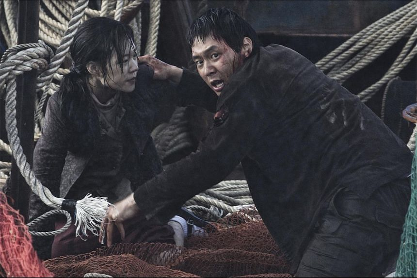 Rookie Park Yu Chun, who stars opposite actress Han Ye Ri (both above), is convincing in his big-screen debut as a country bumpkin. -- PHOTO: GOLDEN VILLAGE PICTURES
