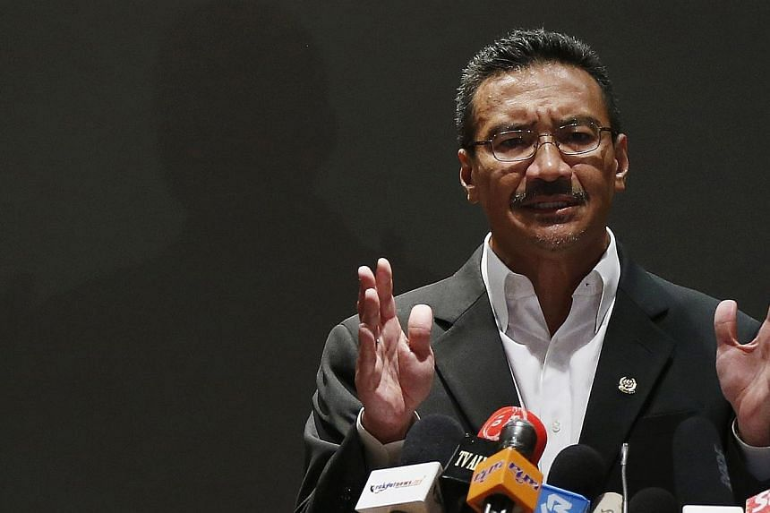 """Malaysia's Defence Minister Hishammuddin Hussein has labelled efforts by a US-led coalition to push back the Islamic State in Iraq and Syria (ISIS) """"ineffective"""", and called for regional cooperation to prevent militants gaining a foothold in South-ea"""