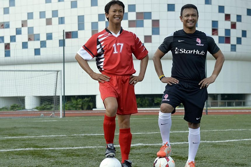A Madame Tussauds waxwork of former Singapore captain Fandi Ahmad was unveiled at the ITE College Central football pitch earlier this month. -- PHOTO: ST FILE