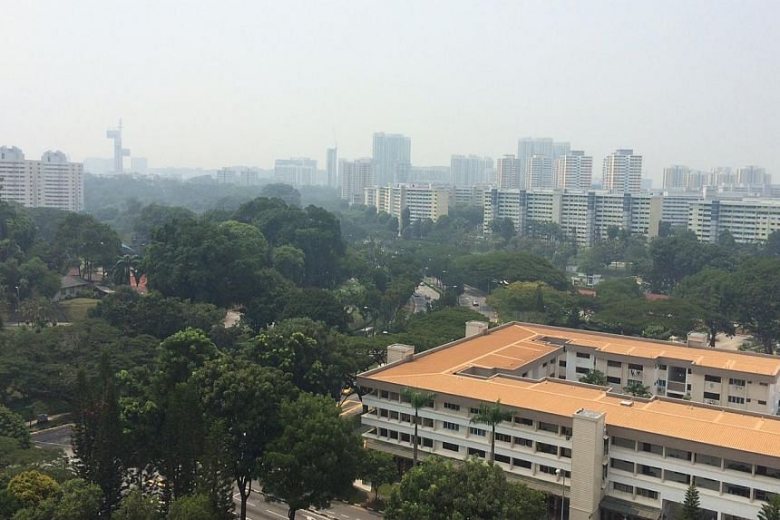 The 3-hour PSI, which has been creeping upwards throughout the morning, reached a reading of 104. -- ST PHOTO: DERRICK HO