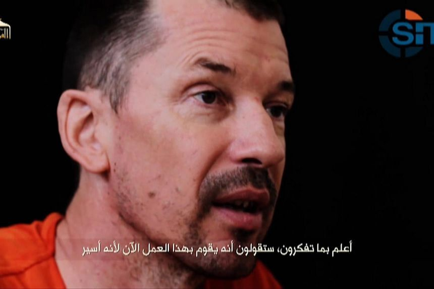 """Mr Paul Cantlie, the father of British ISIS hostage John Cantlie (pictured), has died of """"complications following pneumonia"""", his family said, according to several media sources. -- PHOTO: REUTERS"""