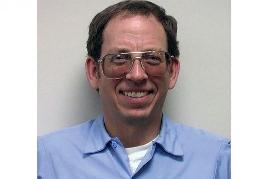 The White House has confirmed that American tourist Jeffrey Fowle, 56, one of three Americans detained in North Korea, has been released and is on his way home to his family. -- PHOTO: AFP