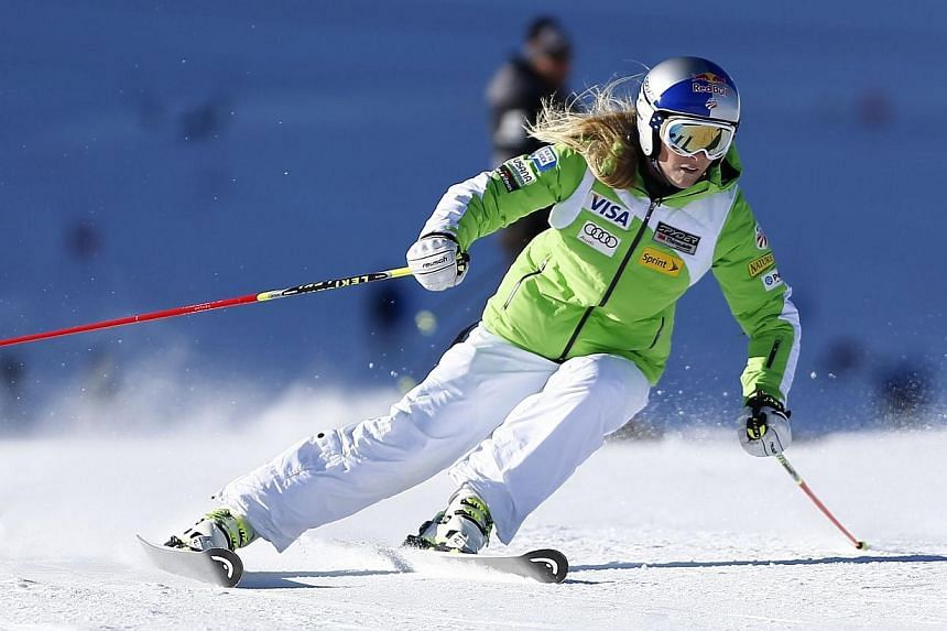 Alpine ski racer Lindsey Vonn of US restarts to ski during a training session on the Oetztal glacier in Solden, Austria on Oct 4, 2014. US speed queen Lindsey Vonn will bid to put almost two years of injury heartbreak behind her when she makes h