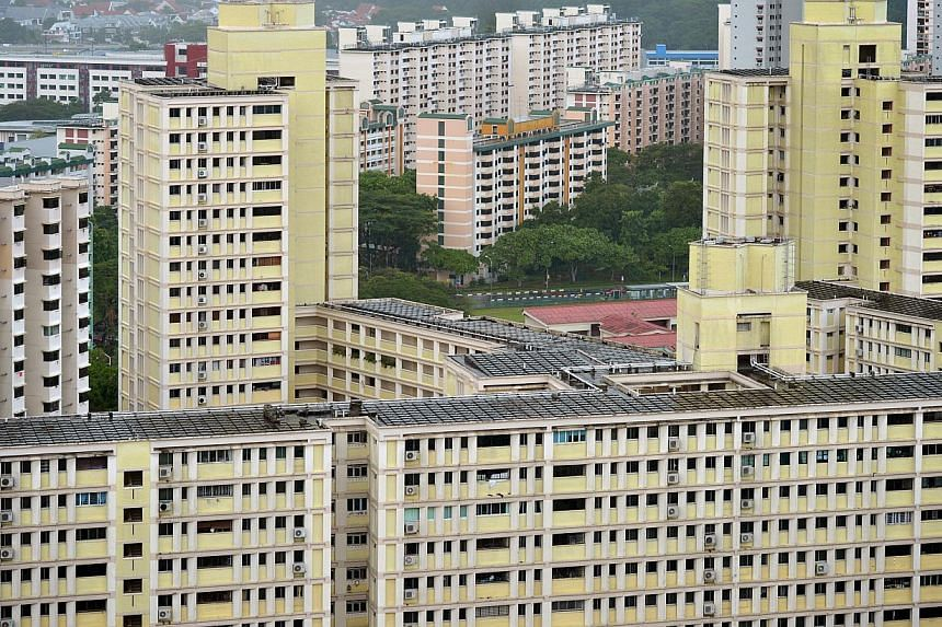HDB flats in Toa Payoh. The resale price index of HDB flats fell by 1.7 per cent while resale transactions increased by 2.8 per cent in the third quarter of this year. -- PHOTO: ST FILE