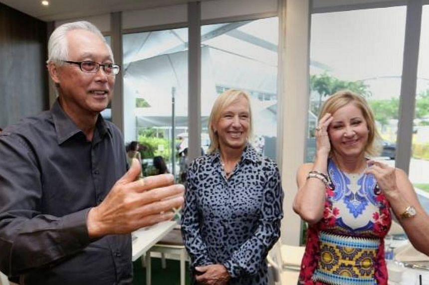 Emeritus Senior Minister Goh Chok Tong with American tennis legends Chris Evert (right) and Martina Navratilova. -- PHOTO: GOH CHOK TONG/ FACEBOOK
