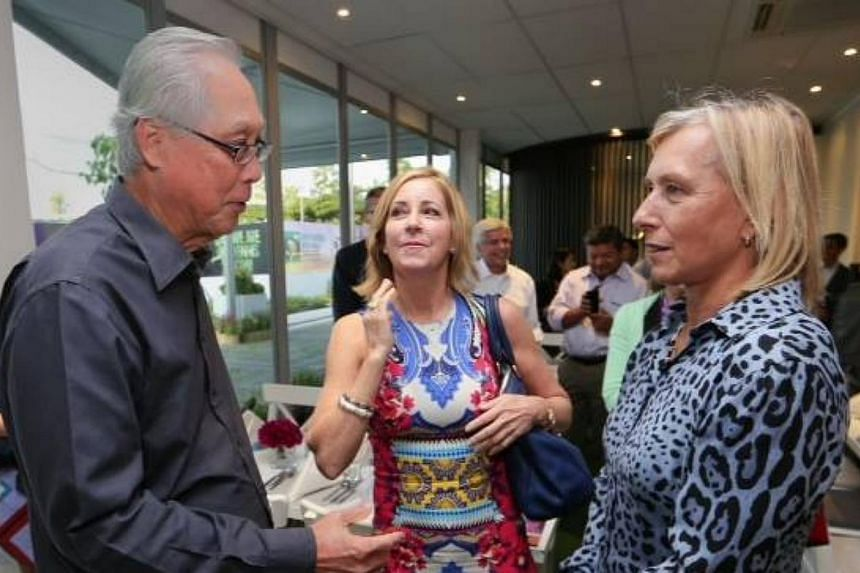 Emeritus Senior Minister Goh Chok Tong with American tennis legends Chris Evert (centre) and Martina Navratilova. -- PHOTO: GOH CHOK TONG/ FACEBOOK