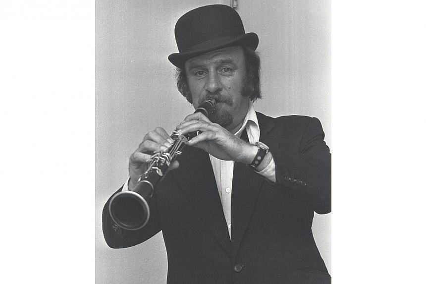 Acker Bilk during his time in Singapore in 1963.-- PHOTO: ST FILE