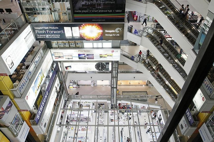 The interior of popular computer mall, Sim Lim Square, showing the 2,756 sq ft space on the ground floor atrium. -- ST PHOTO: MARK CHEONG