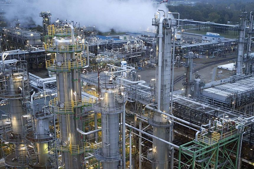 General view of the Petrolchemie und Kraftstoffe (PCK) oil refinary in Schwedt, Germany, on Oct 20, 2014.Opec is concerned about crude oil prices that have lost more than a quarter of their value since June, but is not panicking, the United Ara