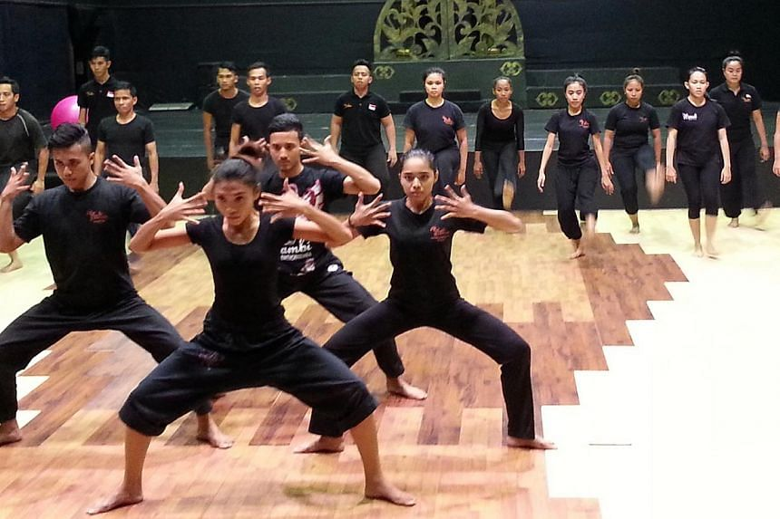 Rehearsals for Onak Samudera: The Untold Dance Story, which will feature 40 dancers from three different companies of three countries. -- PHOTO: SRI WARISAN SOM SAID PERFORMING ARTS