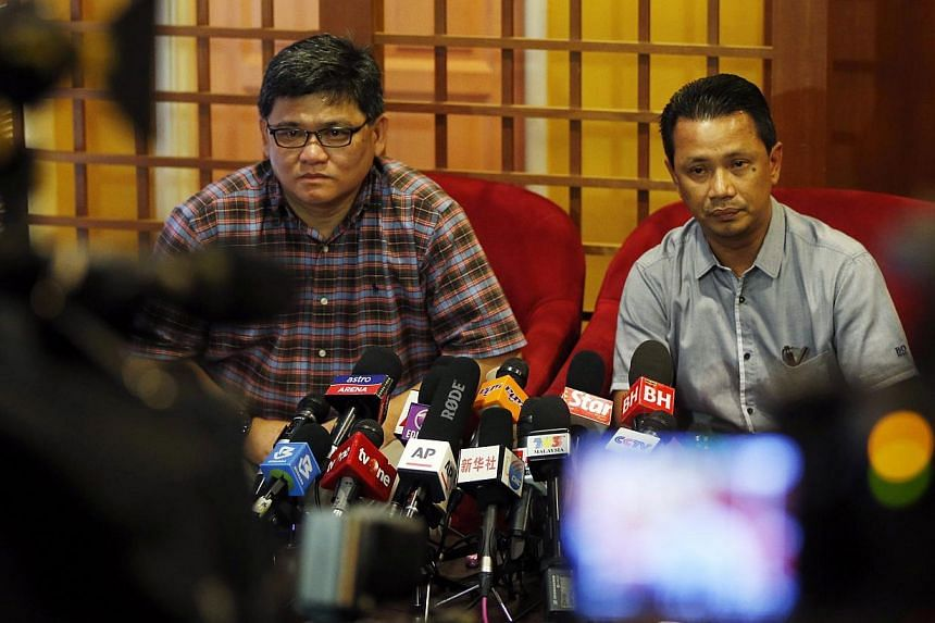 Badminton Association of Malaysia deputy president Norza Zakaria (right) speaks to the media during a news conference in Kuala Lumpur, Malaysia on Nov 8, 2014. -- PHOTO: REUTERS