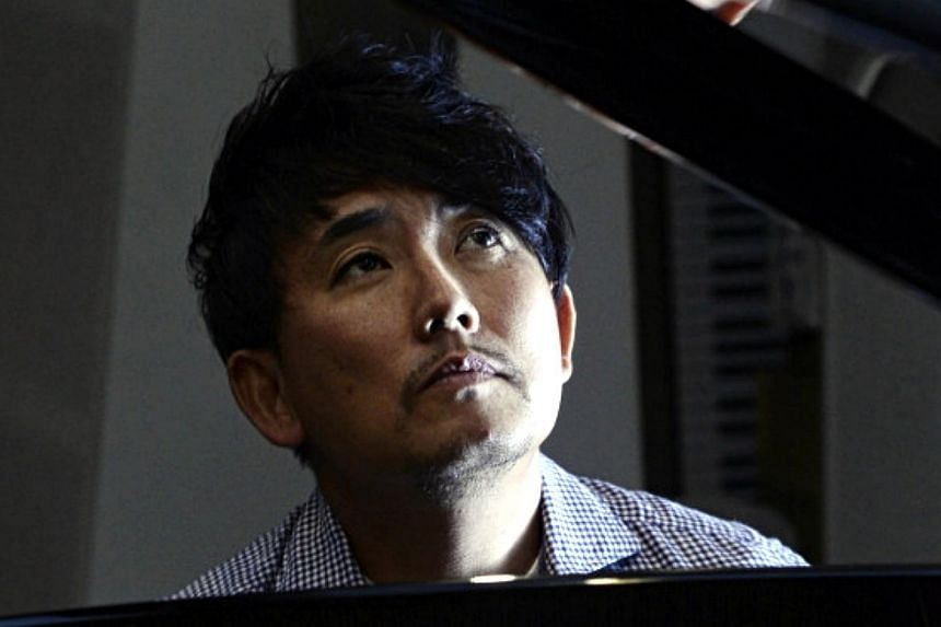 South Korea on Wednesday called for Japan to explain why it had barred entry to Korean pop star Lee Seung Chul, who recently performed on a set of islets claimed by Seoul and Tokyo. -- PHOTO: THE KOREA HERALD