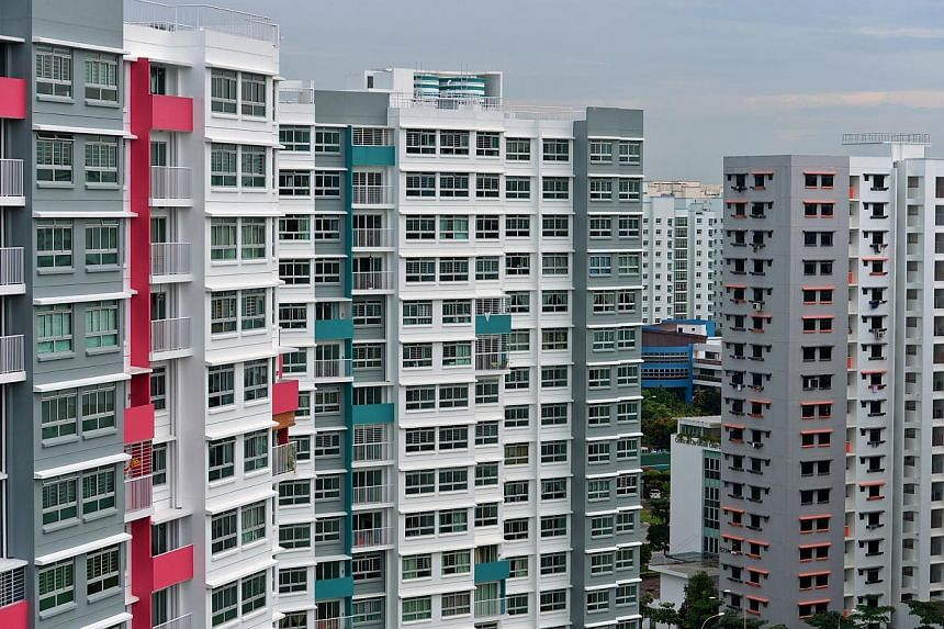 The rental market for both private non-landed homes and HDB flats continued to soften, according to flash estimates from SRX Property. -- PHOTO: ST FILE