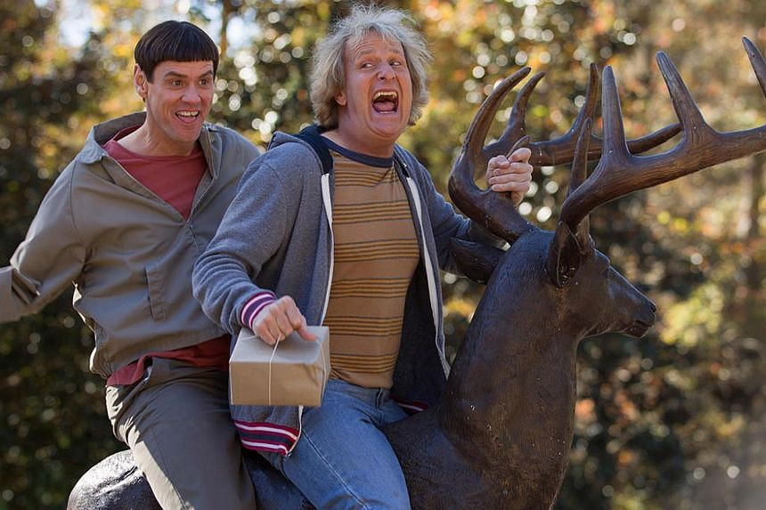 Cinema still: Dumb And Dumber To starring Jeff Daniels (left) and Jim Carrey. -- PHOTO: GOLDEN VILLAGE PICTURES